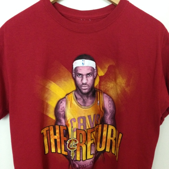 hot sales 6b126 db7df Adidas Lebron James Cleveland Cavaliers M T-Shirt